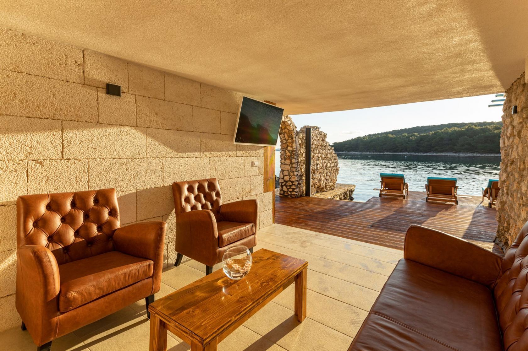 Villa Otus, Pašman vacation, complete privacy, villa directly on the sea, www.zadarvillas.com