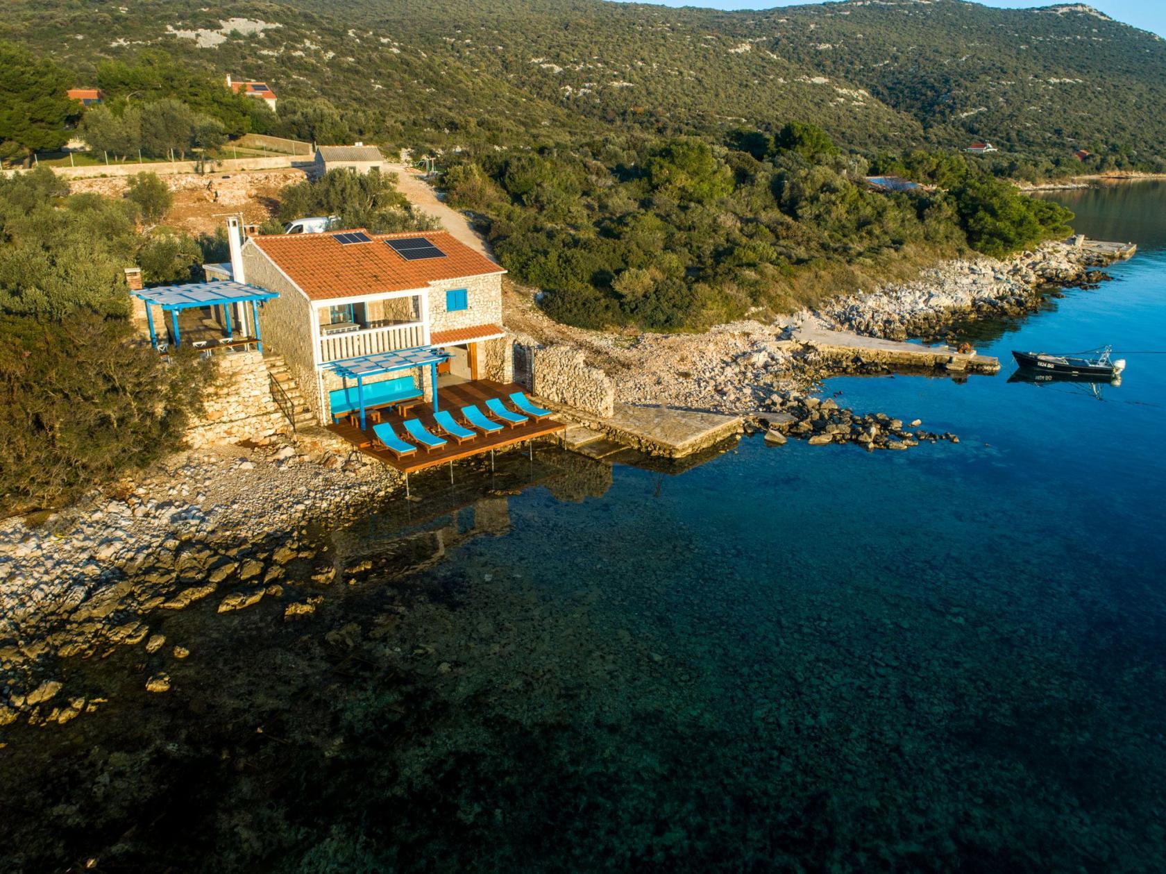 Villa Otus, Pašman villa, privacy provided, complete privacy, set on the beach, directly on the sea, www.zadarvillas.com