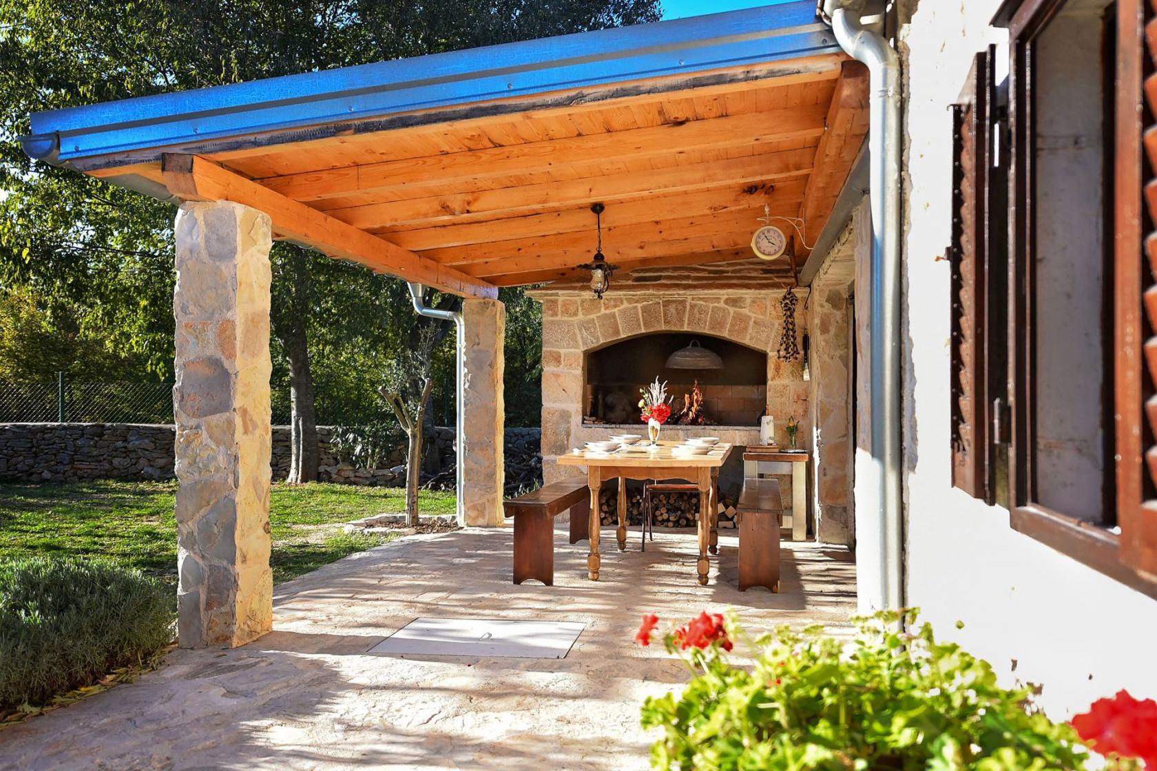 Villa Krasa in Suknovci, vacation in Dalmatian village, www.zadarvillas.com