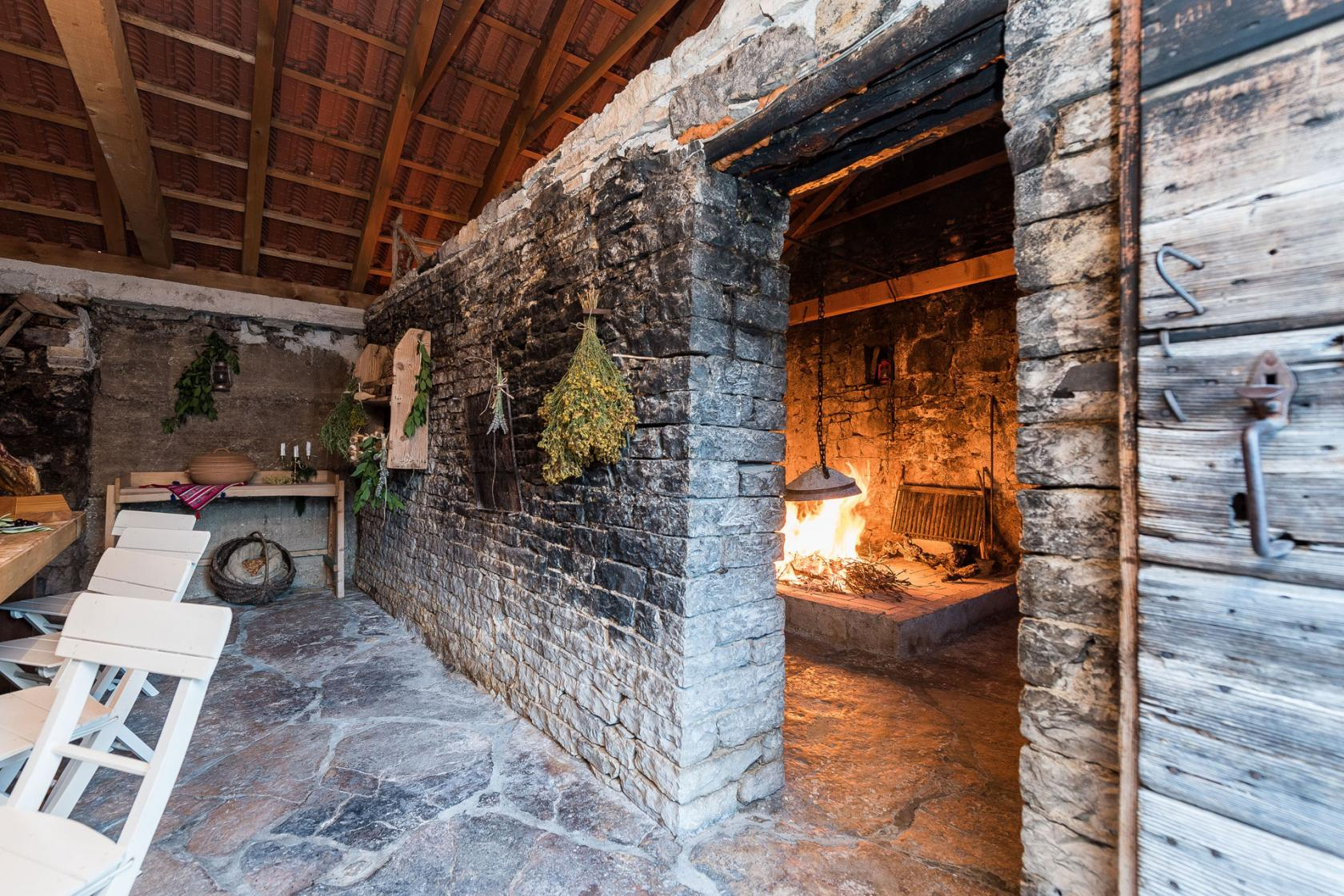 villa, petrovi, dvori, fireplace, rustic, zadar, croatia, www.zadarvillas.com
